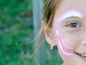 Face-Paint-Girl-Crop-960x300_c